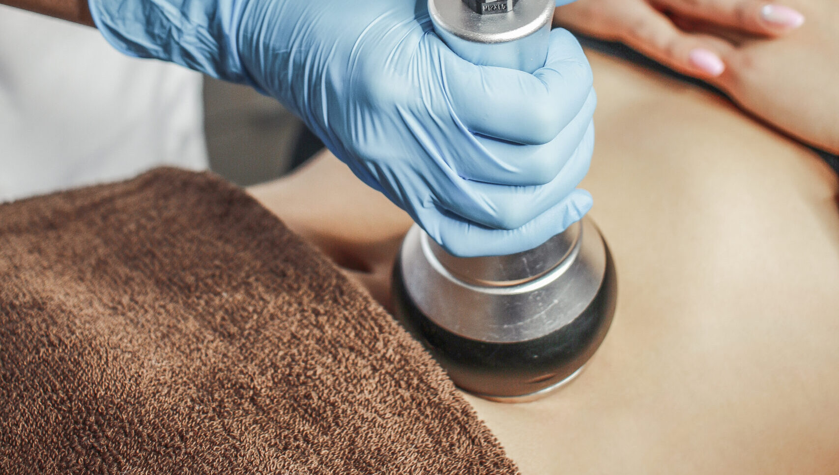 Gabinet kosmetologiczny liposukcja kawitacyjna (ultradźwiękowa)
