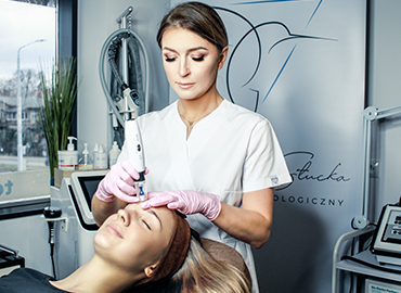 Mezoterapia mikroigłowa (dermapen) w gabinecie kosmetologicznym